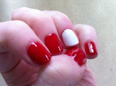 March Manicure Madness, Day Nine: Snow White, Rose Red (4/6)